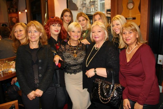 Milica Milisavljević Dugalić okupila poznate na promociji CD-a