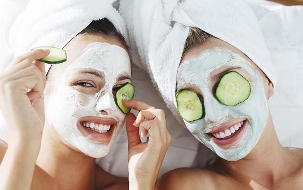 NAPRAVITE SAMI: 3 maske sa aspirinom za lice bez bora!