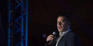 Vlado Georgiev na Tašu održao ludu žurku uz selfi na bini, Boru Čorbu i hor