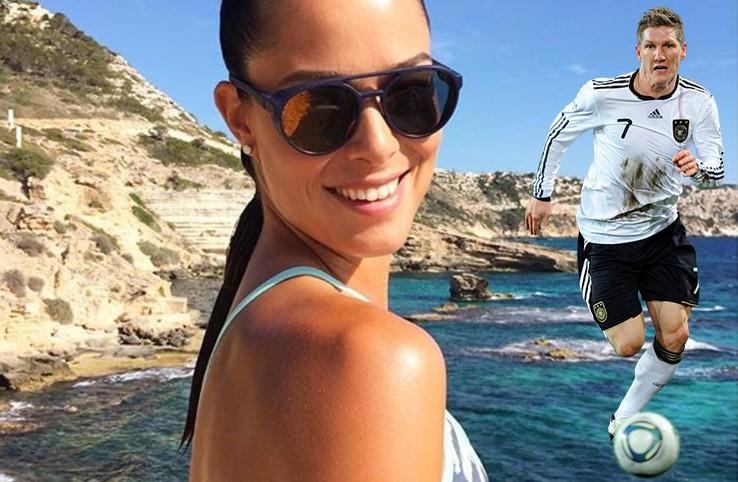 Ana Ivanović objavila fotku sa plaže, navijači je isprozivali