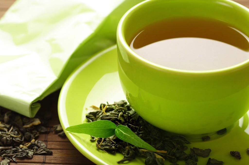 Ne smete da pijete zeleni čaj! Odličan je antioksidant ali ovim osobama može naškoditi!