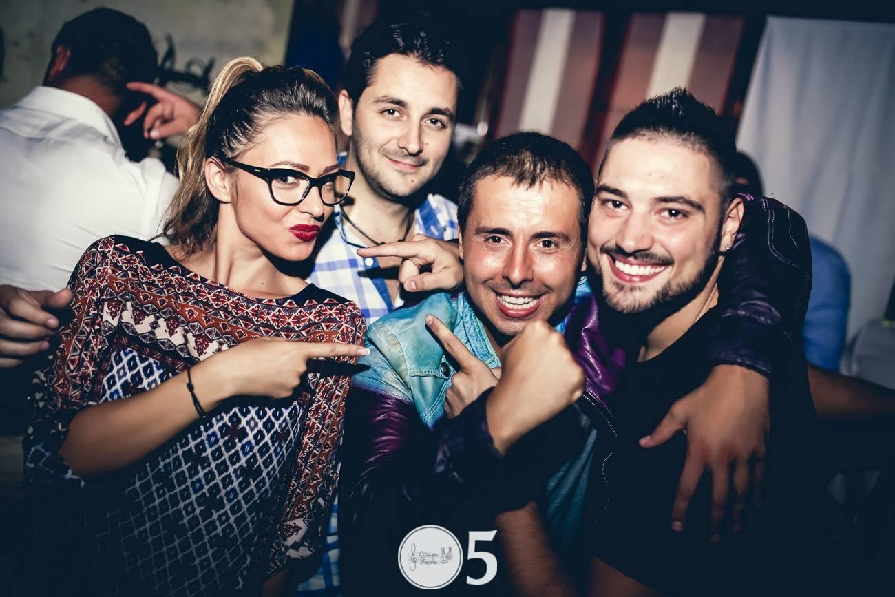 "Lepa Brena, Lepa Brena otvorila petu sezonu kafane ""Stara Pesma""!, Gradski Magazin"
