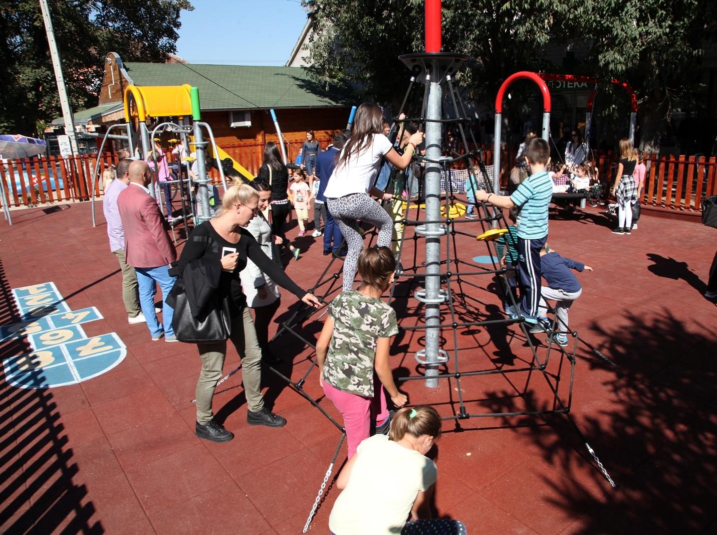 Otvoreno još jedno NIVEA dečje igralište,ovog puta u Šidu!