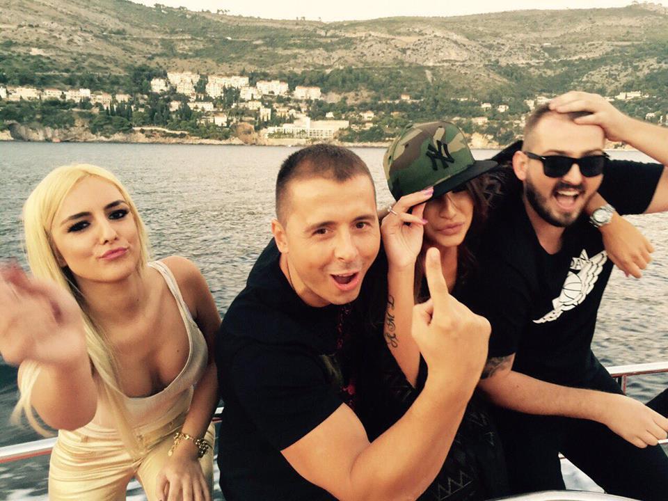 Nemanja Staletović je pevač oko koga se vlasnici klubova otimaju!