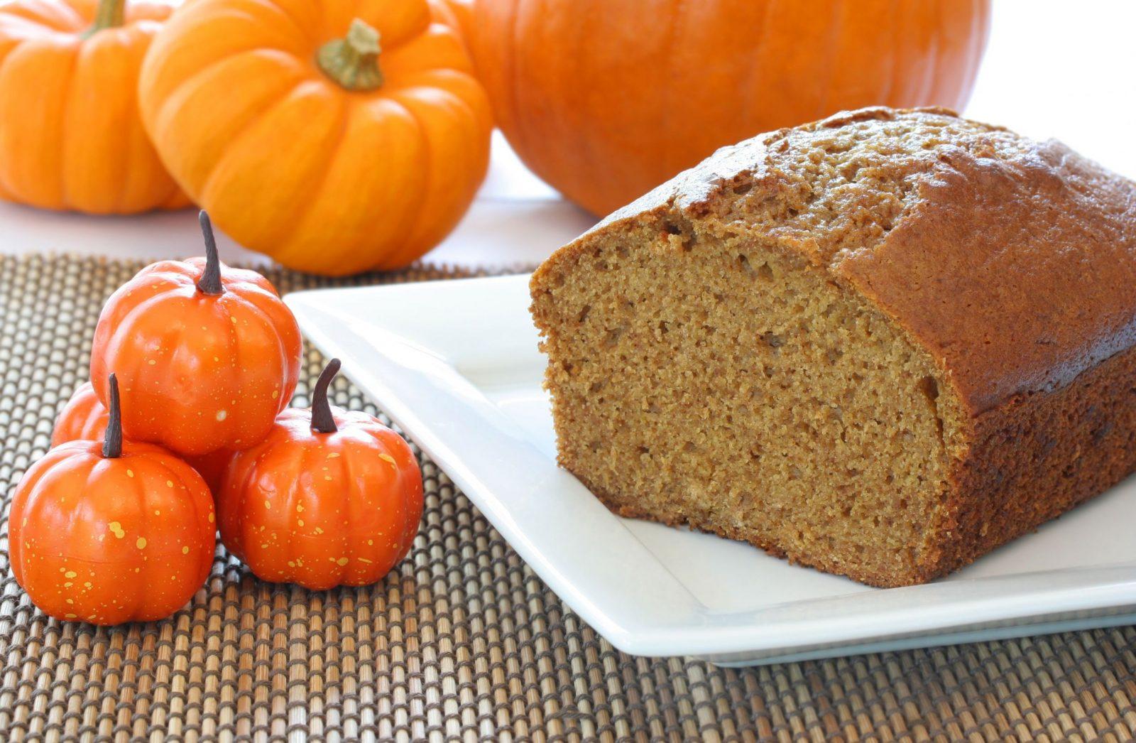 Napravite sami jesenji hleb od bundeve! (Recept)