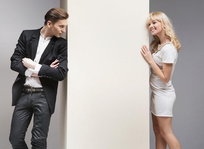 Tri RAZLOGA zašto treba da DOZVOLITE muškarcu da gleda druge žene!