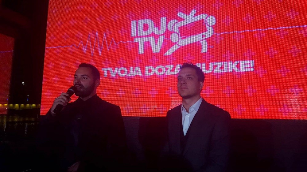GALA ŽURKOM IDJ TV SINOĆ JE STARTOVAO SA RADOM!