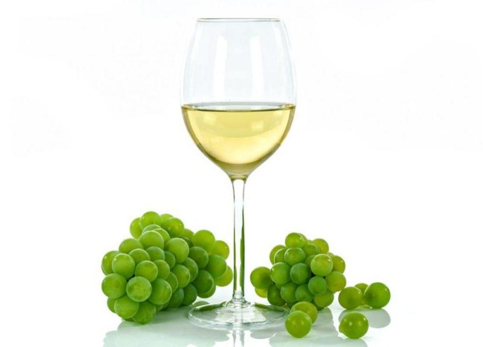 Ne preterujte s belim vinom, povećava opasnost od razvoja melanoma!
