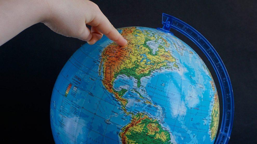 Zavrtite globus i putujte sigurno!