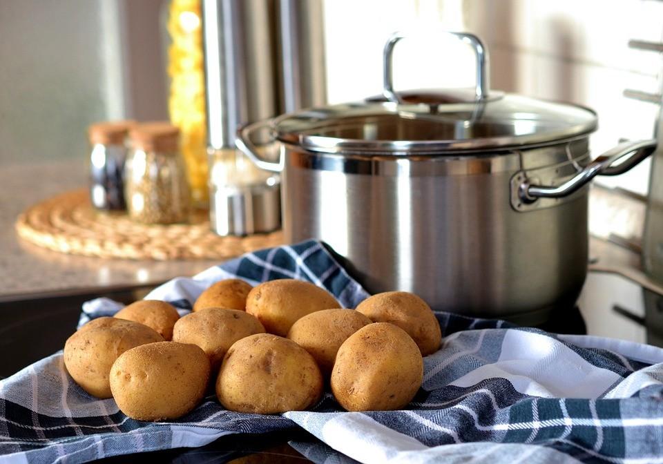 Predlog za ručak: Piletina i krompir u vinu