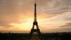 Ajfelov toranj danas obeležava 300 miliona poseta
