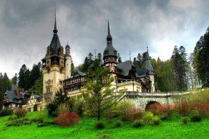 Transilvanija: Drakulin zamak proganjaju medvedi