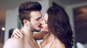 Stručnjaci potvrdili: Evo koliko seksa će vas podmladiti!