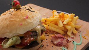 Stotine restorana KFC i dalje ne rade u Velikoj Britaniji zbog manjka piletine