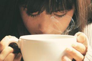 Preterujete li s ispijanjem kafe? Ovih osam znakova dokaz su da bi trebalo da promenite tu naviku