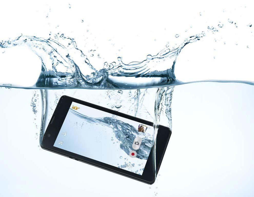 Upao vam je telefon u vodu?? Evo šta morate znati!
