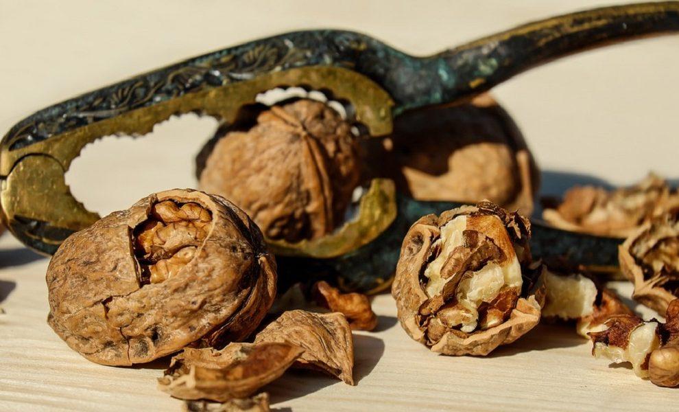 Evo šta se desi vašem telu kada pojedete 7 oraha!