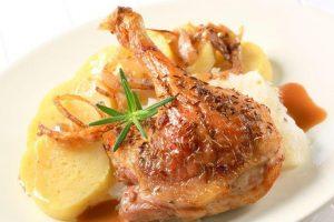 Predlog za ručak: Piletina sa graškom i krompirom