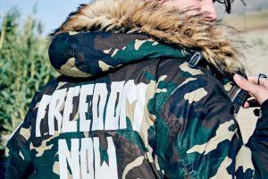 Replay predstavio ultralaki perjani mantil sa dva lica od revolucionarnog ThindownTM materijala, za sezonu jesen/zima 2017-18