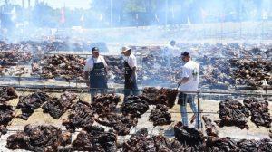U Urugvaju ispečeno deset tona mesa - Ginisov rekord u veličini roštilja (VIDEO)