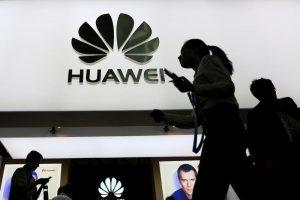 Huawei patentirao telefon sa savitljivim ekranom