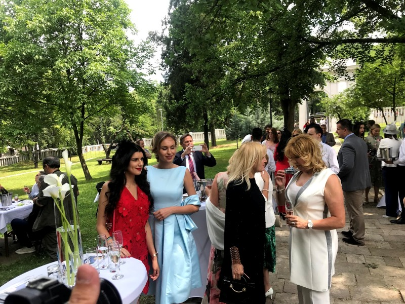 royal wedding party, ROYAL WEDDING PARTY: MAGAZIN PROMOVISAN UZ DIREKTAN PRENOS KRALJEVSKOG VENČANJA!, Gradski Magazin