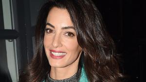 Amal Kluni nema NIJEDNU BORU sa 39 godina, a tajna je u OVOM serumu koji možete da napravite za manje od 100 dinara!
