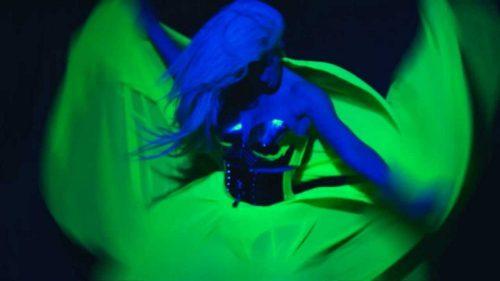 OPET KASNI !!! Lady Gaga ponovo kopirala Karleušu, samo što kasni pet godina