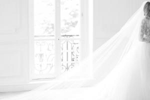 Haljina koja je zasenila venčanicu najpoznatije modne blogerke na svetu