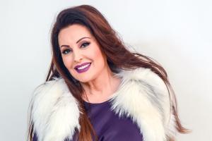ČESTO NA METI MNOGIH ZBOG STAJLINGA Dragana Mirković pokazala novo izdanje i pokrenula lavinu podeljenih komentara