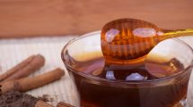Prirodni lek od cimeta i meda: 6 bolesti koje leči ova moćna kombinacija