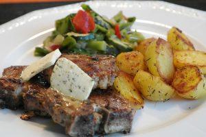 Recept dana: Svinjski but sa krompirom