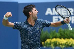 LUDI, LUDI MEČ Đoković u polufinalu US Opena, izbacio Federerovog dželata uz nestvarne scene na terenu