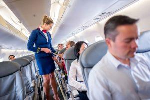 Važni saveti: Šta ne bismo smeli jesti pre, za vreme i nakon leta avionom?