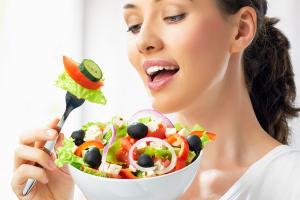 """5 """"zdravih"""" namirnica koje to zapravo nisu: Zbog zablude unosite mnogo više kalorija"""