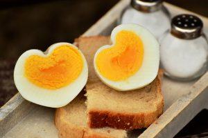Da li su JAJA DOBRA i koliko komada dnevno smete da pojedete: Nutricionista otkriva i sa čim NIKAKO ne treba da se mešaju