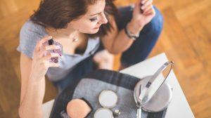 Trljate zglobove kada nanesete parfem? ODMAH PRESTANITE to da radite!