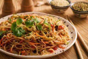 RECEPT DANA: Špageti od pirinča sa povrćem
