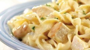 RECEPT DANA: Makarone u sosu od belog mesa