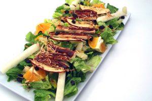 RECEPT DANA: Pileća salata sa MANDARINOM i KIVIJEM