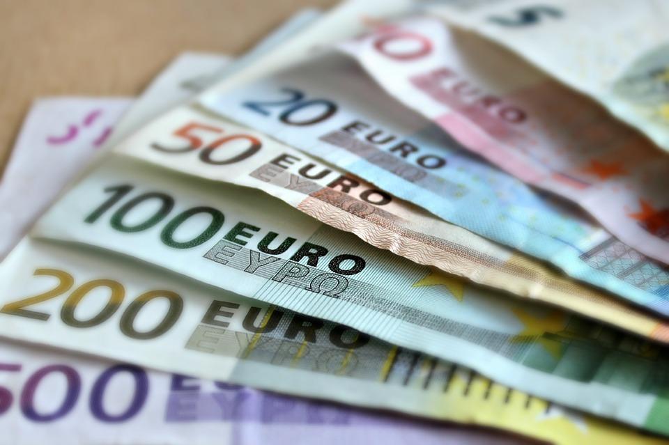 Na istoku Nemačke bruto plata 3.173, a na zapadu 4.013 evra