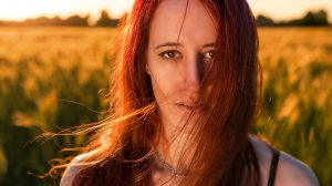 Često koristite peglu za kosu? Prepoznajte kada bi trebalo da prestanete