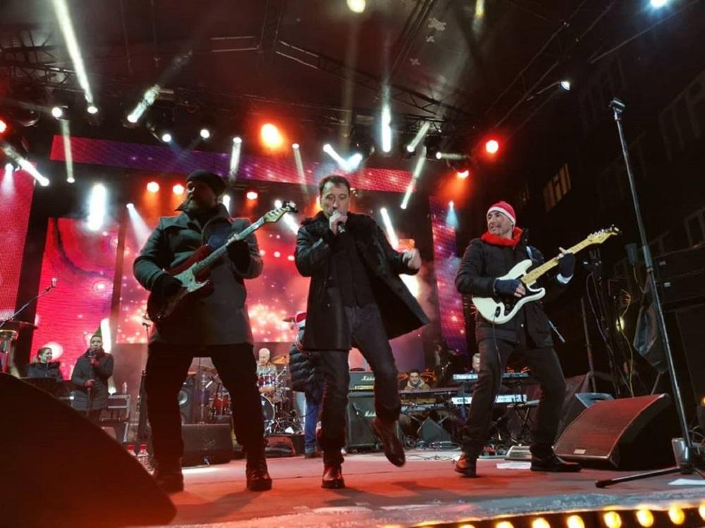 Hari sa svojim bendom još jednom je opravdao poverenje publike i status jedne od najvece zvezde regiona i balkana