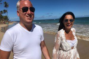 Pobegli u toplije krajeve: Saša Matić odmara sa porodicom