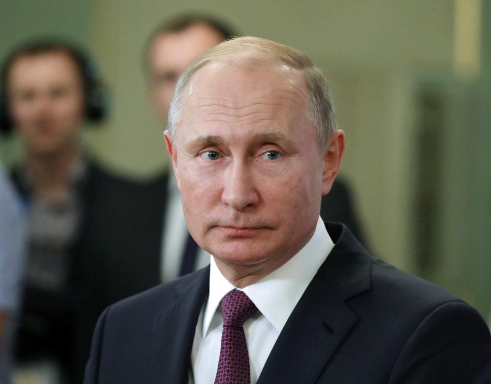 Kada Vladimir Putin bude došao u Srbiju, jedina javna ličnost koja će se rukovati sa njim je ON