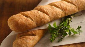 Mekan, mirisan i hrskav: Francuski hleb na bakin način!