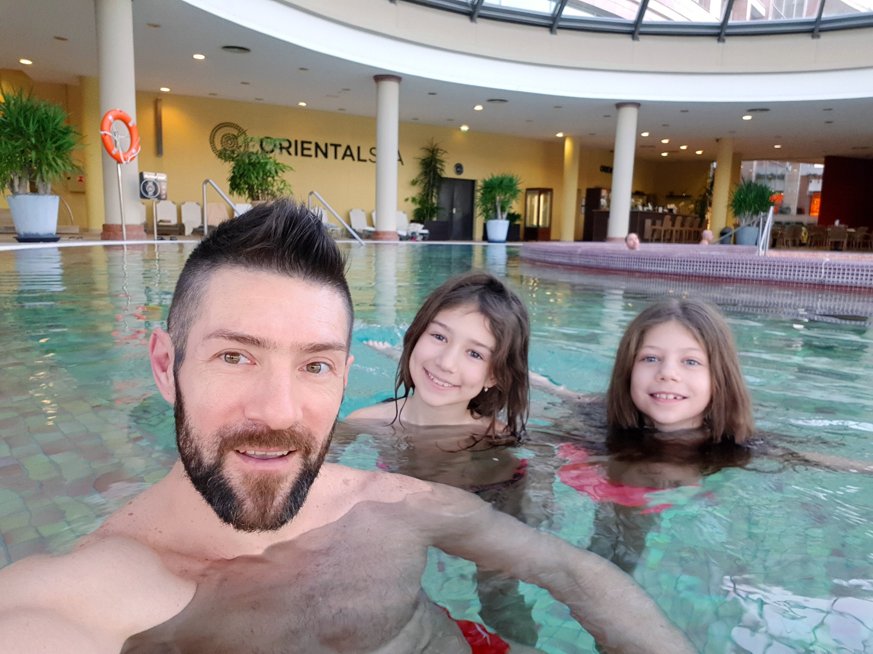 Katarina i Milan Gromilić u Aquaworld Resort Budapest hotelu: Godišnjica uz vodene vratolomije!, Gradski Magazin